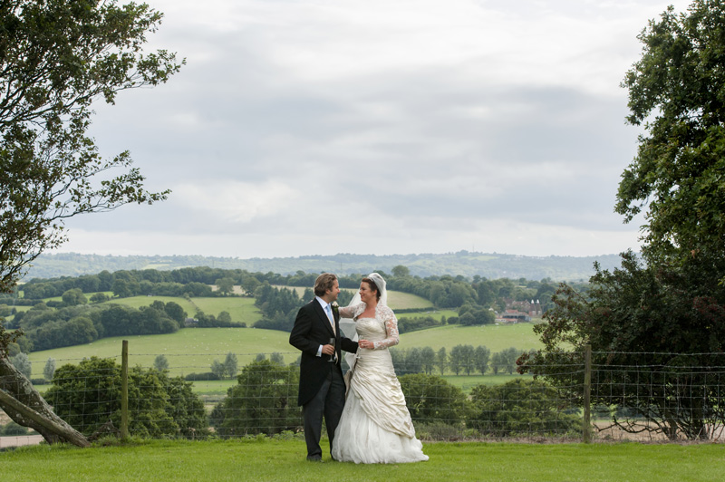 Newleyweds in the Sussex countryside