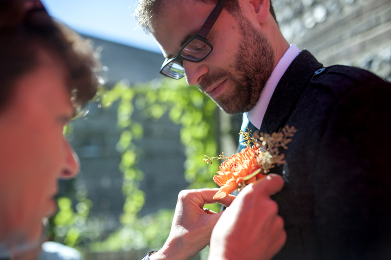 Fixing buttonhole for the Groom
