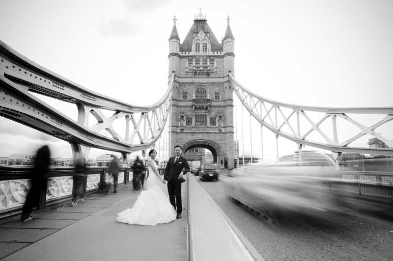 Central London pre-wedding shoot at Tower Bridge