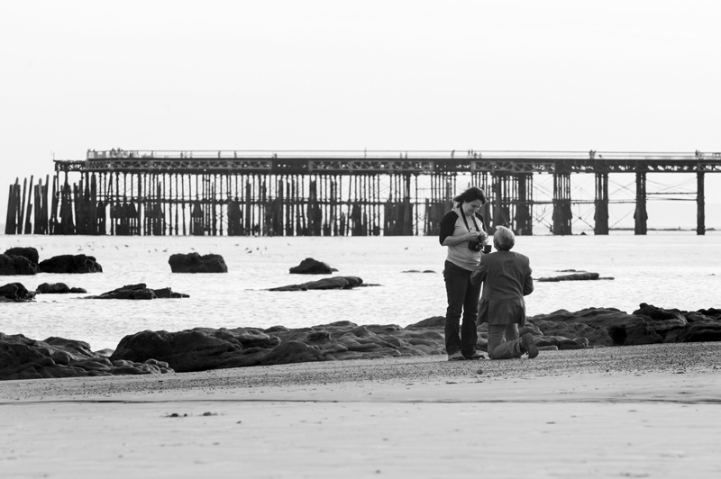 Marriage proposal photos on hastings beach-12bw