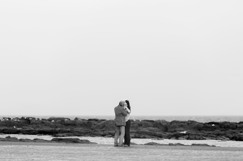 Marriage proposal photos on hastings beach-21bw